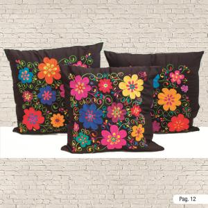Cojines oaxaqueños con flores bordadas